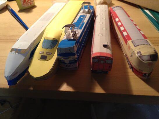 電車のペーパークラフト