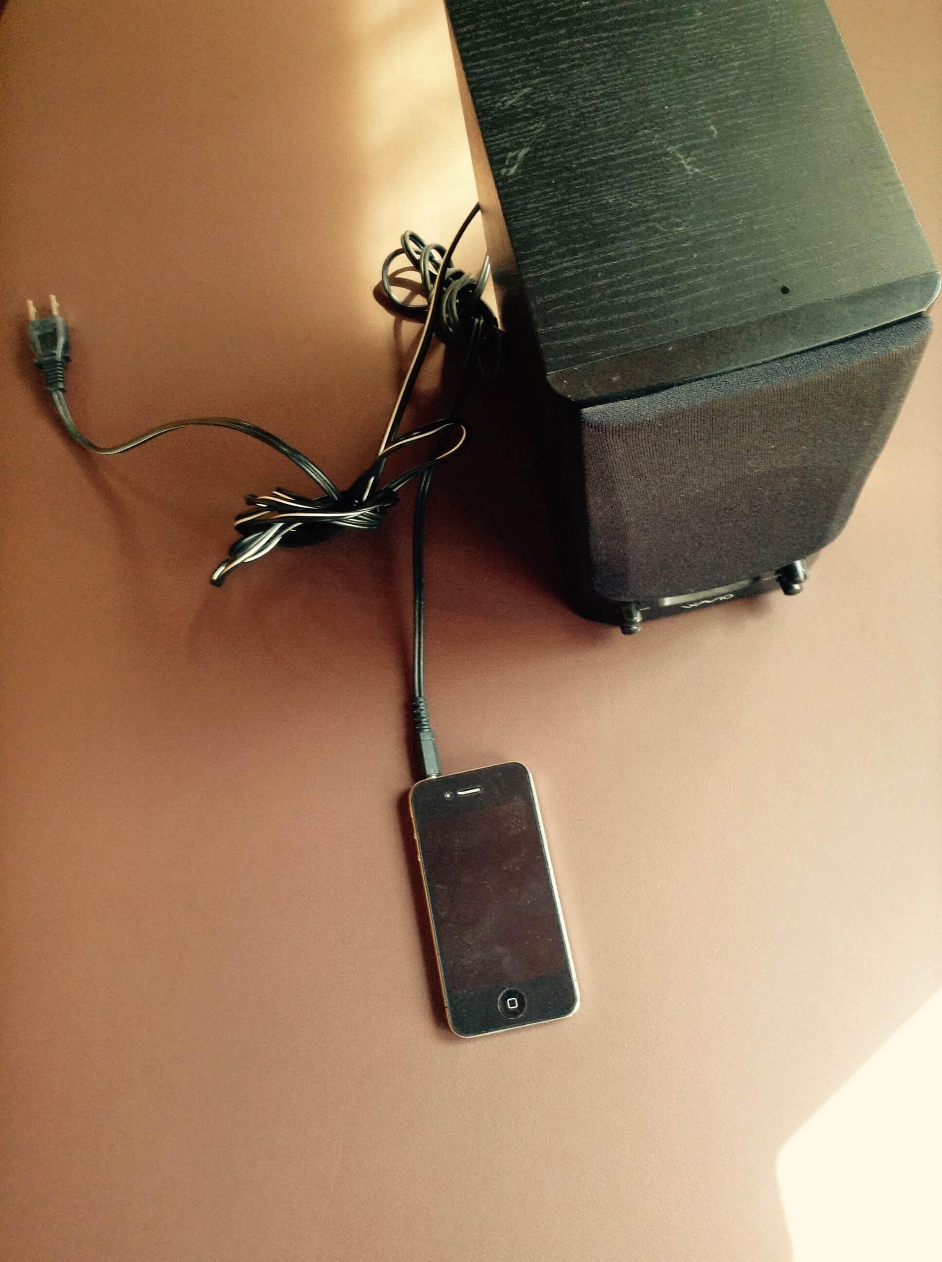イベントやBBQのBGMにiPhoneを使うならオンキヨーのスピーカー『GX-70HD』がおすすめ