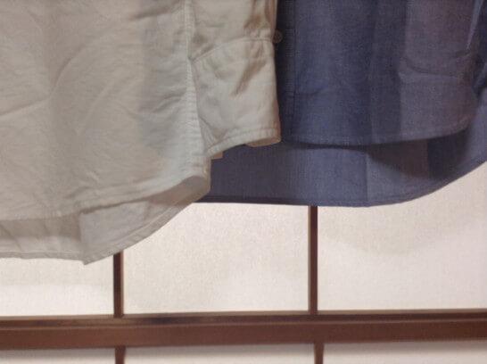 無印とユニクロのシャツの丈を比較(拡大)