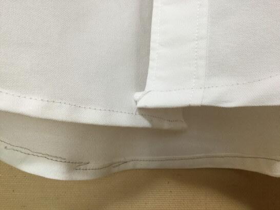 ミシンでシャツの着丈詰めをしたところ(ガチャガチャ)