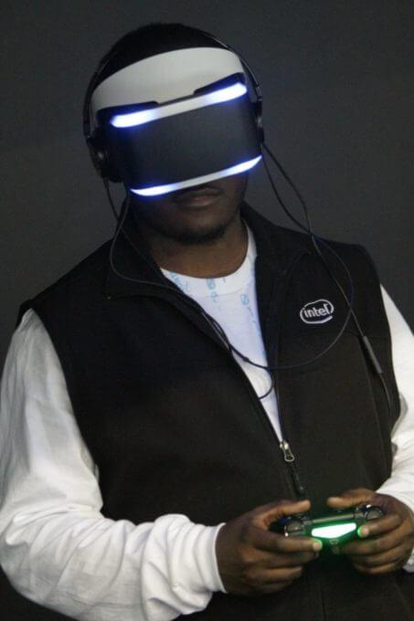 ヘッドマウントディスプレイの基本ざっくりまとめ、Oculus Rift , PlayStation VR の性能くらべ