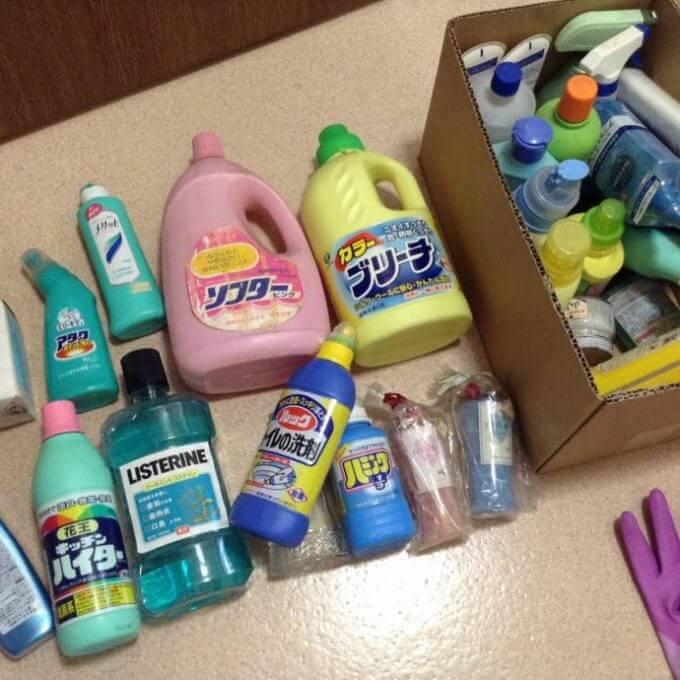 使わない洗剤、シャンプー、香水をまとめて捨てる