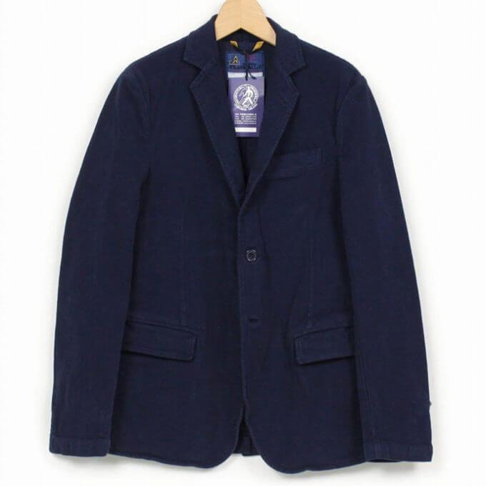 財布、スマホ、iPadまで!ポケットにザクザクしまえるトラベルジャケットの魅力
